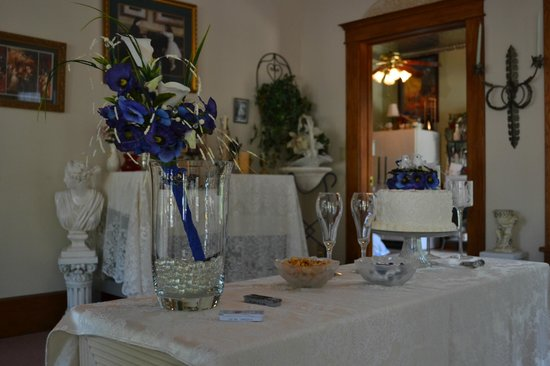 Benner House Bed and Breakfast: Benner House Wedding