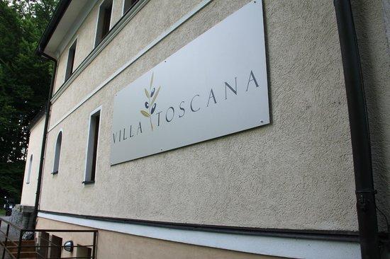 Villa Toscana: Entrance