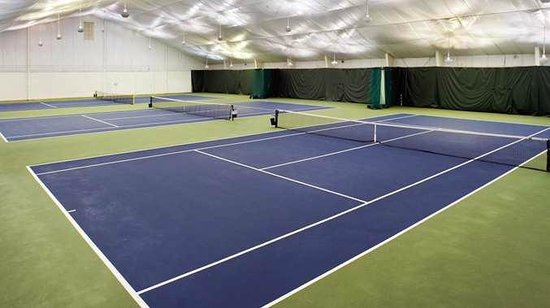 DoubleTree by Hilton Baltimore North - Pikesville: Tennis Court & Fitness Cub