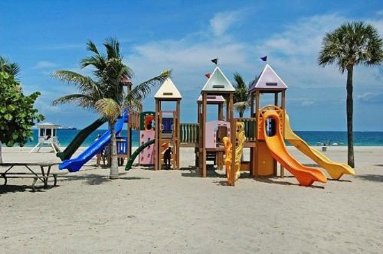 Embassy Suites by Hilton Fort Lauderdale 17th Street: Kids will love Fort Lauderdale Beaches