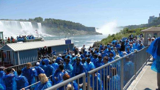 Niagara Falls Day Tour : de blauwe jassen kwamen goed van pas