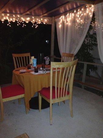 Nickys Restaurant & Bar : Romantic setting