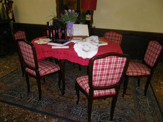 Antica Trattoria Suban: Arredamento del salone