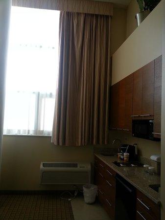 Pointe Plaza Hotel: Sitting Room