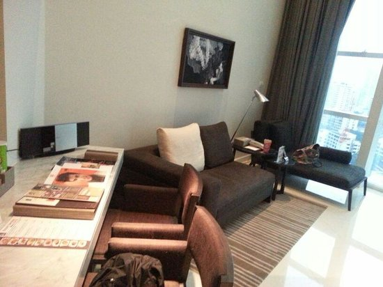 S31 Sukhumvit Hotel: Corner Duplex living