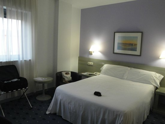 Exe Salamanca: Cama muy cómoda, silenciosa habitación