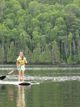 Bearskin Lodge: Paddle boarding on E. Bearskin Lake
