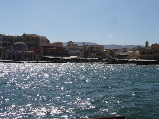 Yakinthos Hotel: Chania Harbour