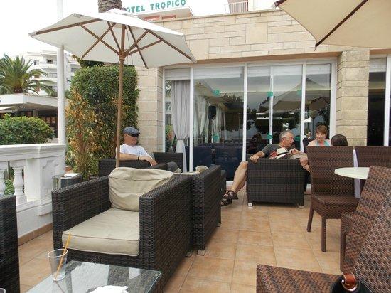 Hotel Tropico Playa: Terrace
