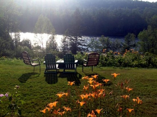 Inn by the River: Loved sitting here!