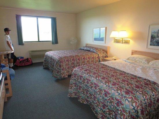 Cactus Hill Motel: Room # 14