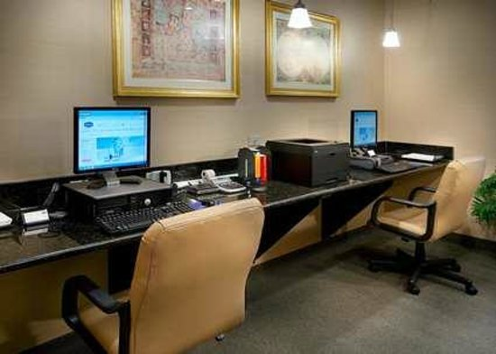 Hampton Inn Fairfax City: Business Center