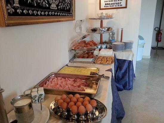 Hotel Miralago: Buffet Colazione