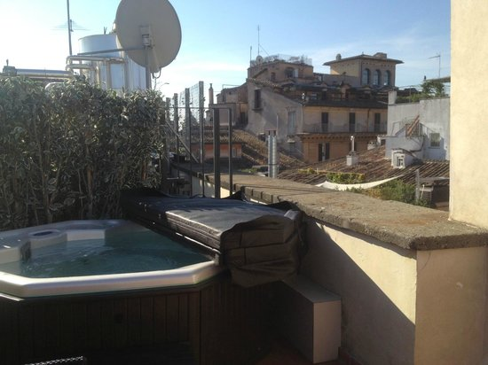 jacuzzi sur la terrasse picture of navona palace residenze di charme rome tripadvisor. Black Bedroom Furniture Sets. Home Design Ideas