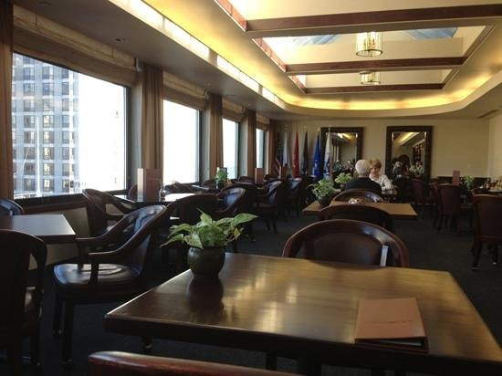 Marines Memorial Club Hotel: 12th floor dining