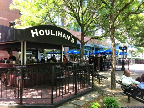 Houlihans Weehawken 1200 Harbor Blvd Restaurant Reviews Phone