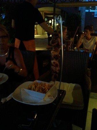 MG-Cafe: Een heerlijk Pinchitos echt een smuller