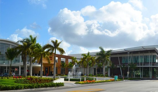 Kendall, FL: Welcome to the beautiful Dadeland Mall in Miami, Florida!