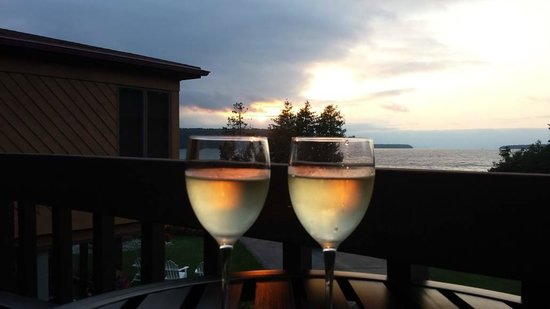 Pine Grove Resort: Sunset