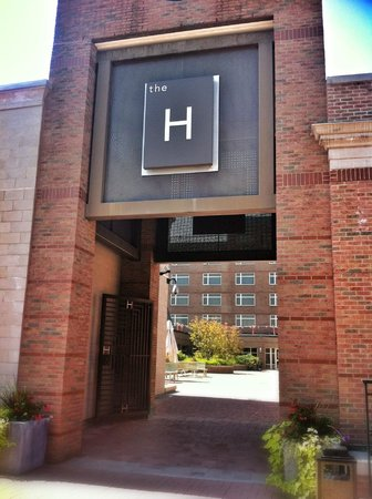 The H Hotel Midland: Outside of Hotel