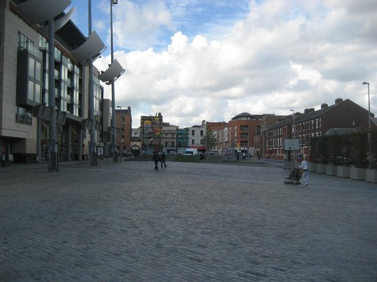 Smithfield Square: What a shame!!