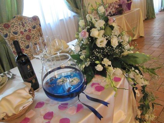 Hotel Ristorante La Pergola: Tavolo sposi