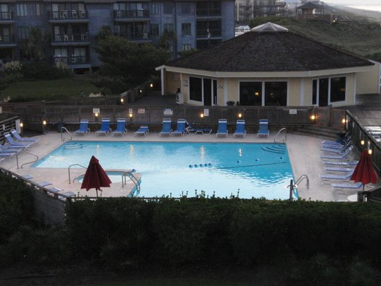 Pebble Beach Condominiums: View from balcony of pool