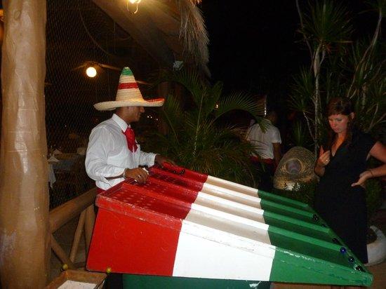 Hotel Riu Lupita : l'animation des jeux pour la soirée mexicaine