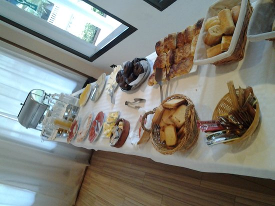 Prestige Bay Hotel: The breakfast buffet