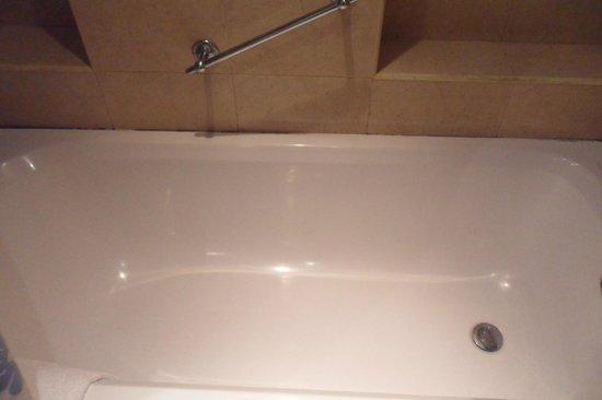 Slavyanska Beseda Hotel: Bath