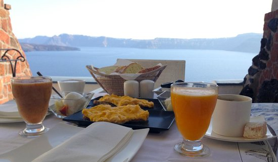 Astarte Suites: Breakfast at our terrace