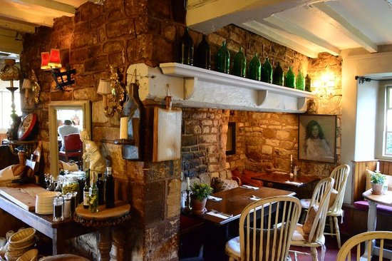 The Kings Arms: Beautiful atmosphere dining