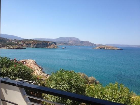 Isadora Apartments: foto vanaf het balkon!!