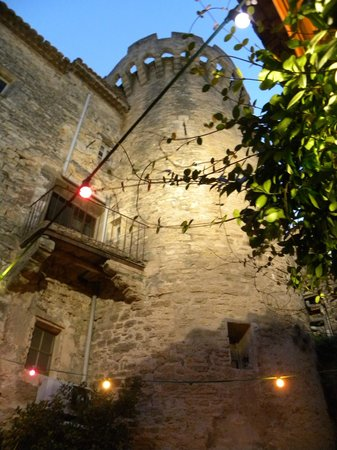 Marianna: the lights of the outside seating
