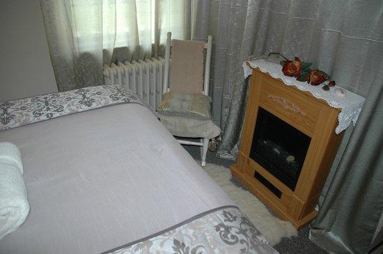 Sommerville Court Motel Bed & Breakfast : Tennant Room