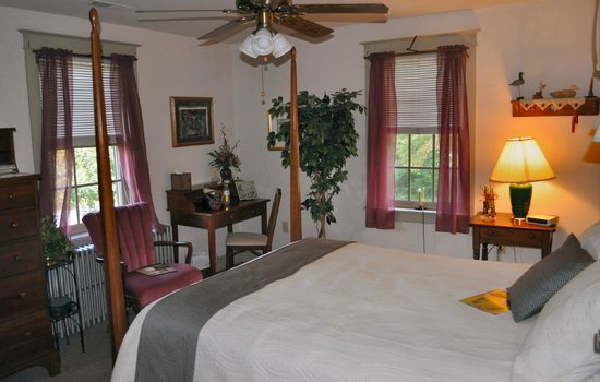 Flowers & Thyme Bed and Breakfast: The Thyme Suite