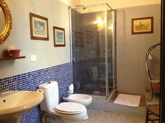 Bed & Breakfast La Romea: Fabulous shower!