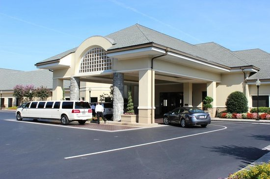 Atlanta Evergreen Marriott Conference Resort: Front Entrance