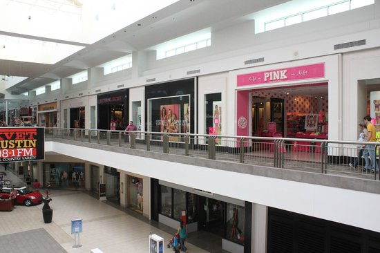 Lakeline Mall: Shops range from children's apparel to women's clothing and accessories to health and beauty.