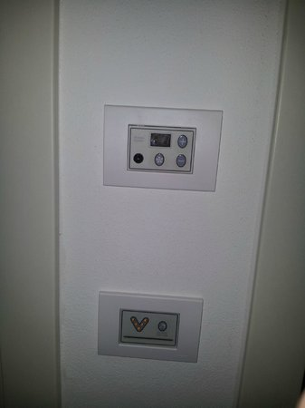 Hotel Augustus: Controllo domotico della stanza