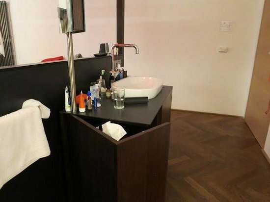 Hotel Hollmann-Beletage: sink in the room