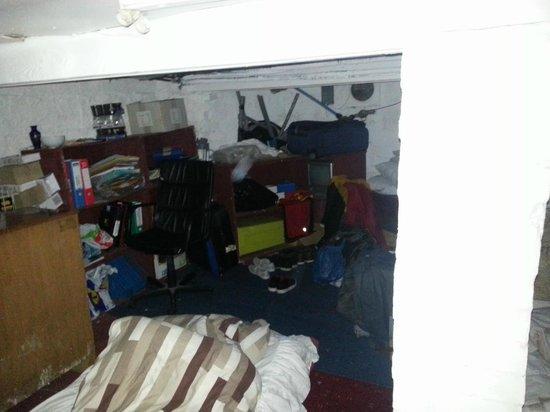 Alba Hostel Glasgow: Le lit d'un autre client dans la cave
