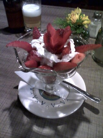 S.I.S.A. Cafeteria: Strawberries and cream!