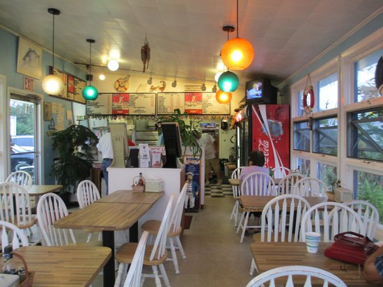 Jerry's Seafood & Dairy Freeze: Interior
