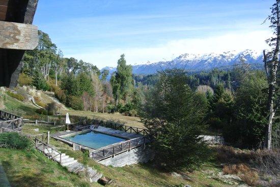 Naranjo en Flor Hosteria y Restaurant: Vista da piscina