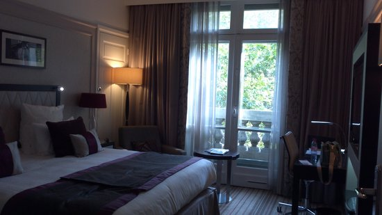 Paris Marriott Opera Ambassador Hotel: King Deluxe Room