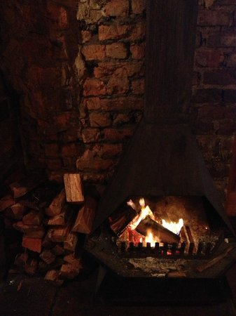 Allora : Cosy Fireplace