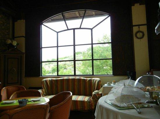 Albergo Ristorante La Macchia: Complimentary breakfast room.