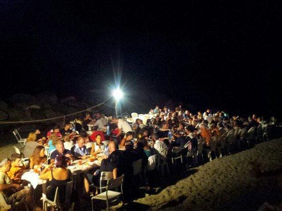 Villaggio Rocca di Vadaro: cena sulla spiaggia