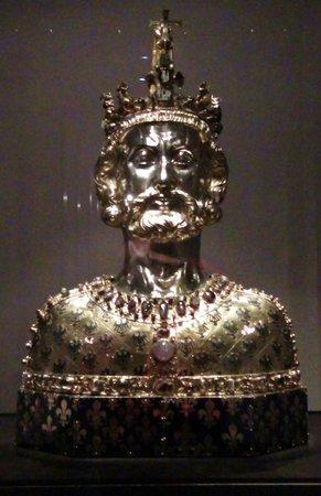 Treasury of Aachen Cathedral: il volto di Carlo Magno